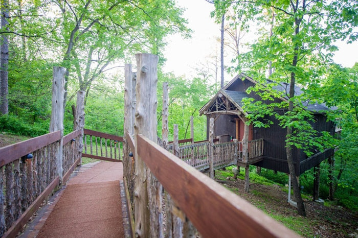 Oak Crest Cottages and Treehouses